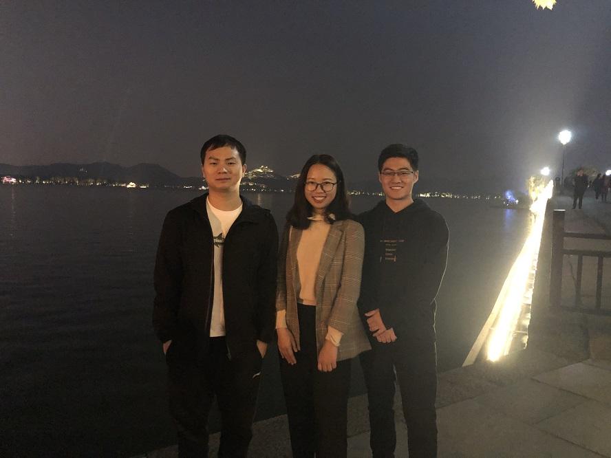 4.工学院参会博士生周国辉李星萍刘洋从左至右